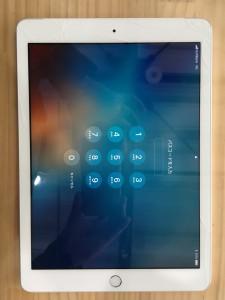 iPad5画面割れ-1