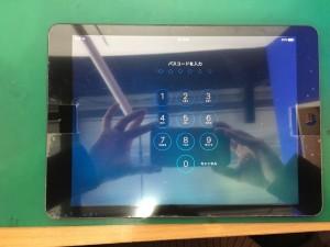 iPadAirガラス割れ-3